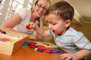 mom-and-toddler-playing-with-blocks