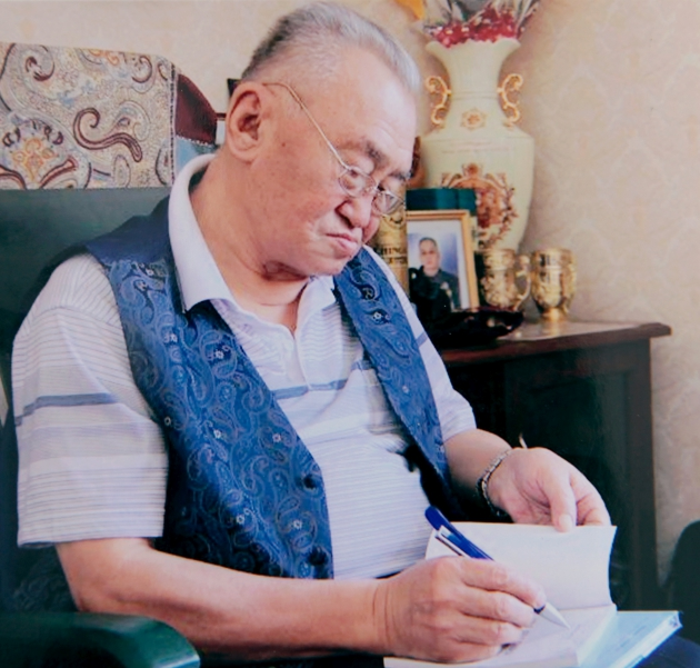 Ардын уран зохиолч Ш.Сүрэнжав...
