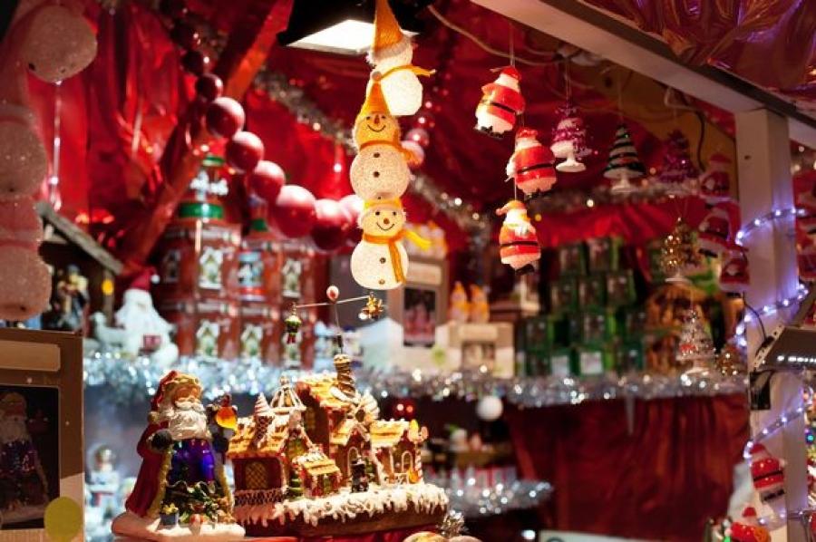 """Гэрэлт гудамжинд """"Зул сарын баярын..."""