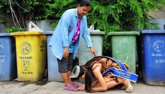 Тайландын Мисс бүсгүй ээждээ туслан...