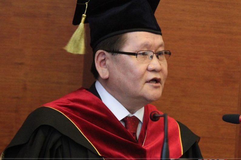 """Монгол улсын Шадар сайд Ө.Энхтүвшин """"Хүндэт доктор"""" цол хүртлээ"""