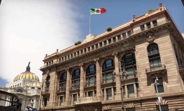 Mexico-tow-bank